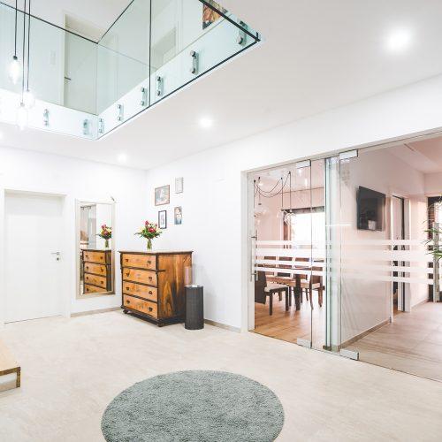 Glasdusche Dusche aus Glas Stiegengeländer aus Glas Glastüren