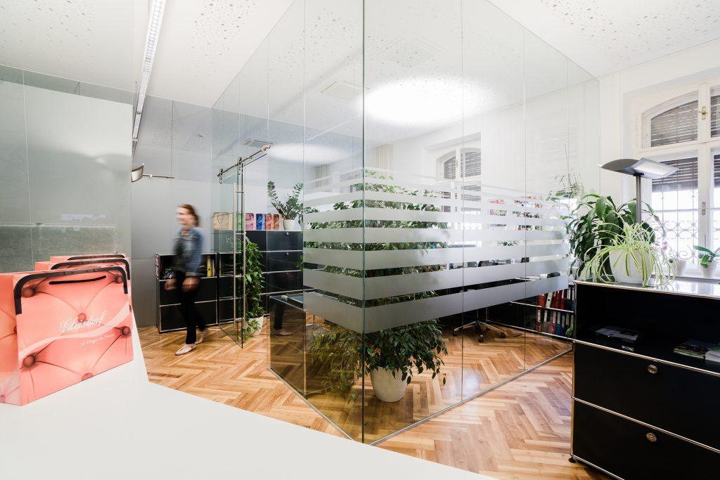 Bürotrennwand aus Glas 1_1920